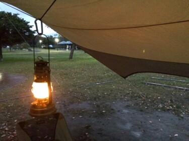 キャンプは雨の日でもキャンセル不要!雨の中でのキャンプテクと楽しみ方