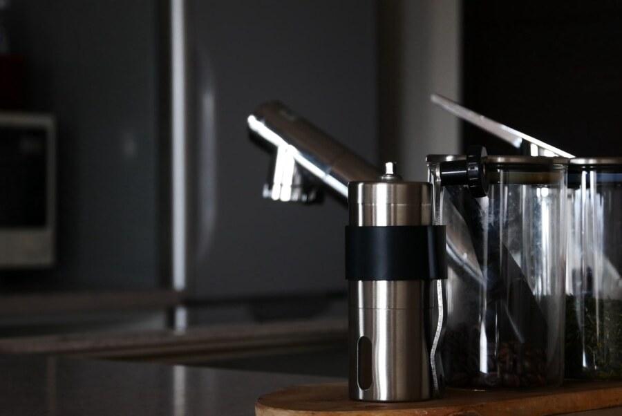 キッチンに置いているコーヒーミル